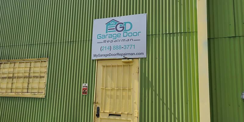 Garage Door In Dallas, TX - My Garage Door Repairman Has The Perfect Solution!
